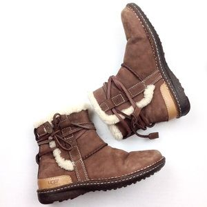 UGG La Jolla Shearling Ankle Boots 6